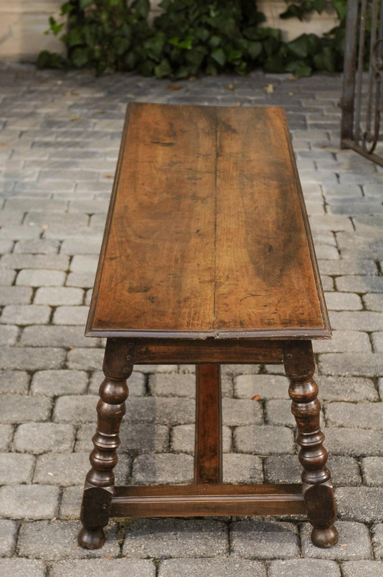 Italian 1800s Walnut Bench with Turned Legs and H-Form Cross Stretcher For Sale 5