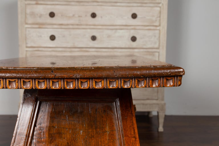 Italian 1800s Walnut Console Cabinet with Scoop Motifs, Doors and Single Drawer For Sale 3
