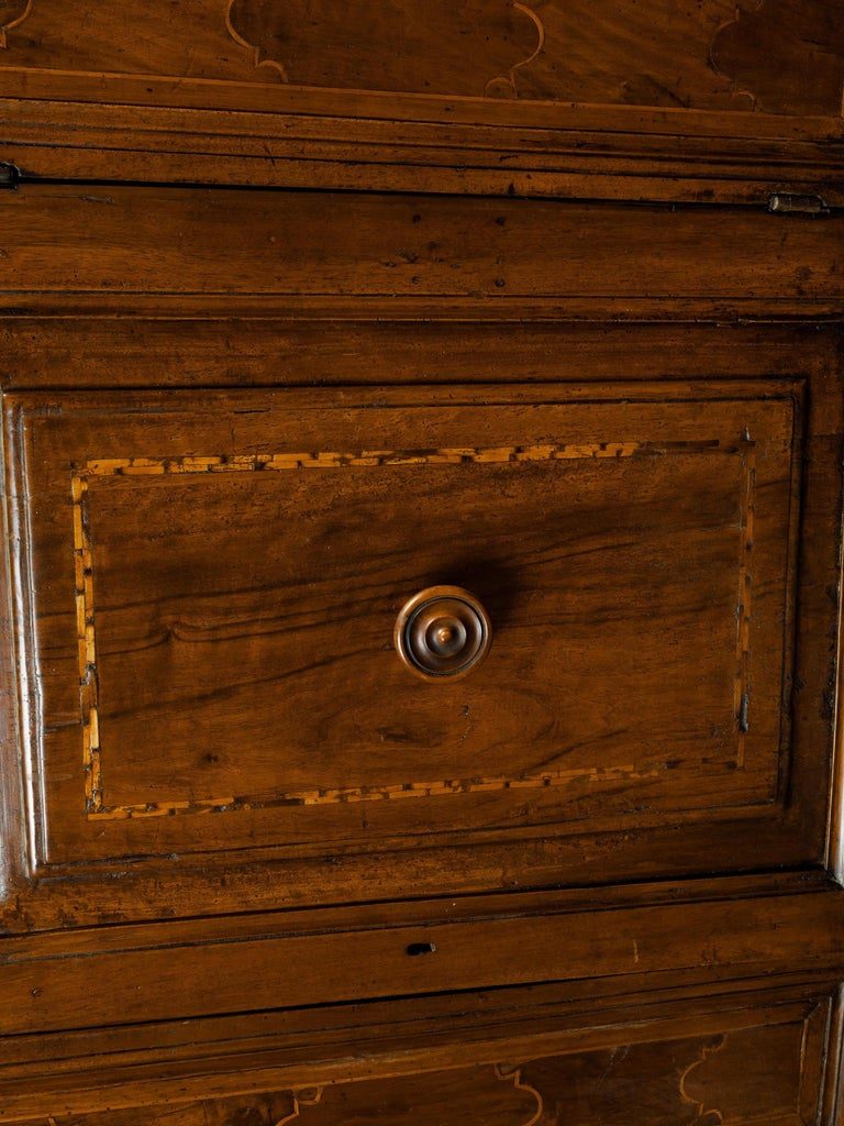 Italian 1800s Walnut Credenza with Drawers, Doors, Inlay and Foliage Carved Feet For Sale 2