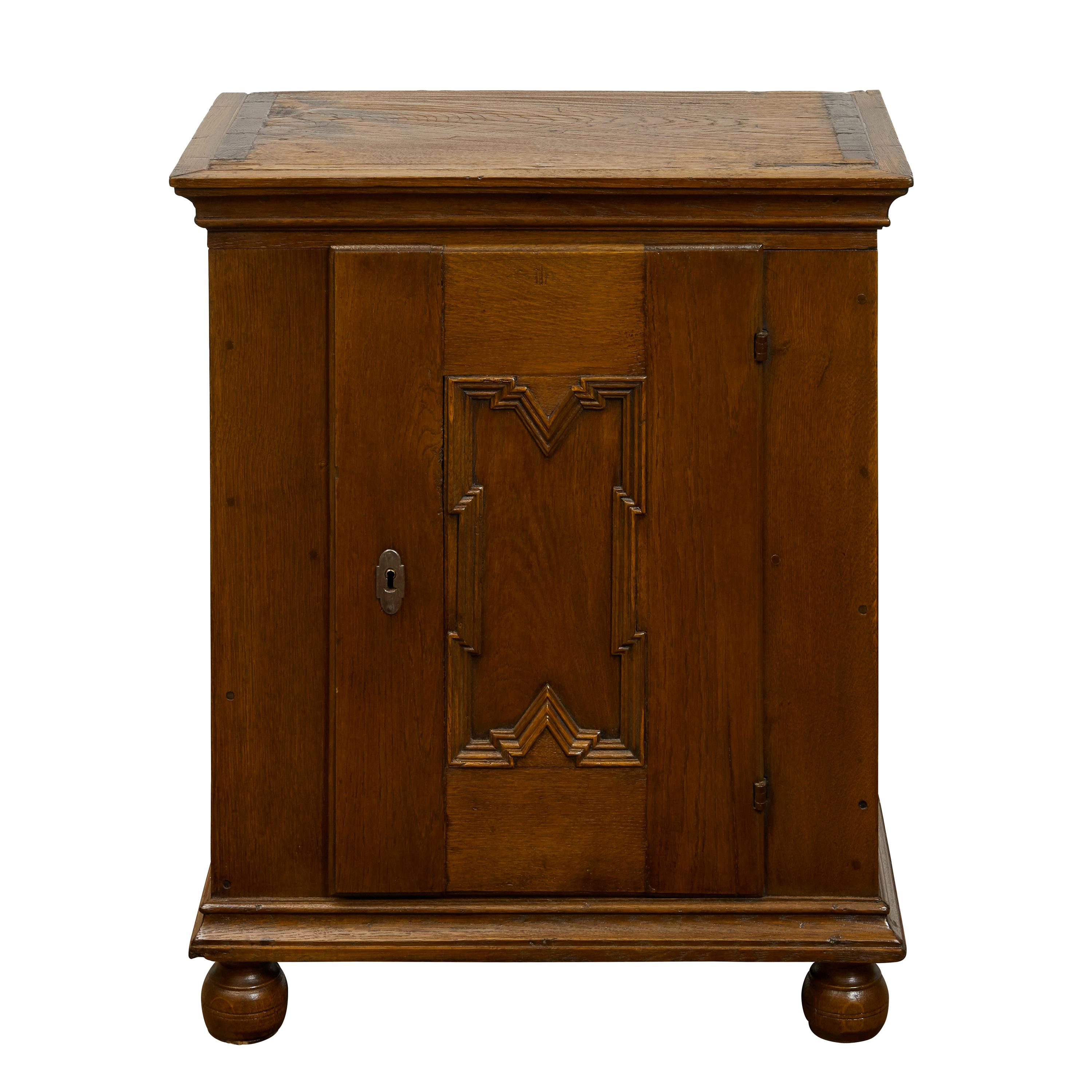 Italian 1820s Small Oak Cabinet with Single Door and Geometric Carved Motif
