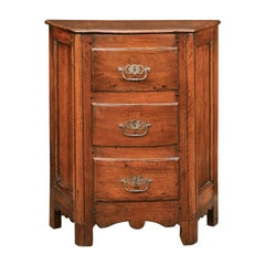 Italian 1820s Walnut Petite Commode with Three Drawers and Canted Side Panels