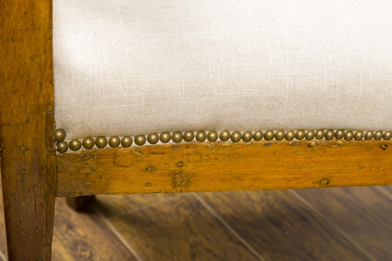Italian 1820s Walnut Settee with Pierced Back, X Motifs and Gilded Medallions 6