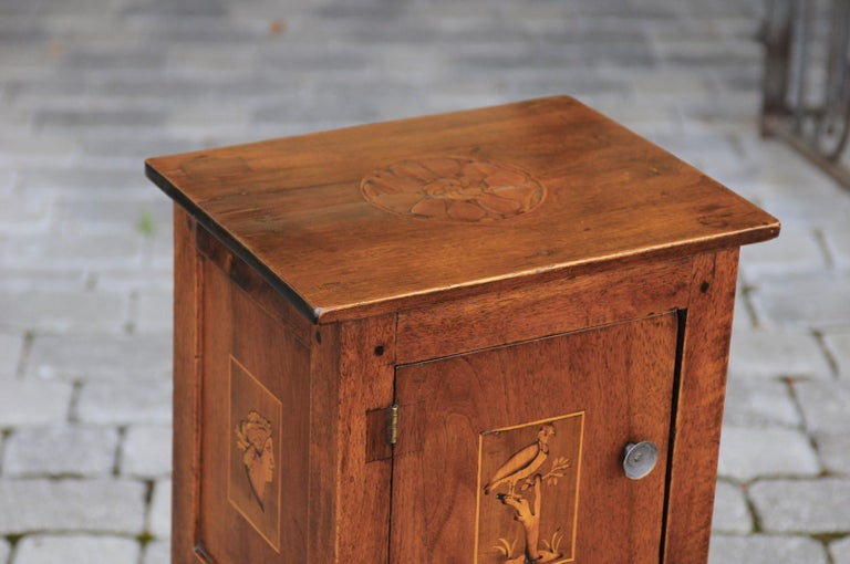 Italian, 1840s Neoclassical Style Walnut Nightstand Cabinet with Marquetry Décor For Sale 8