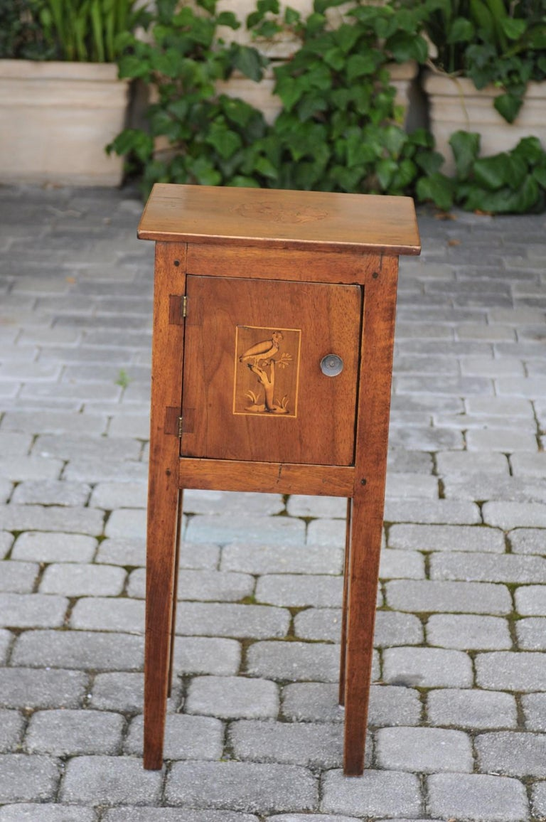Italian, 1840s Neoclassical Style Walnut Nightstand Cabinet with Marquetry Décor In Good Condition For Sale In Atlanta, GA
