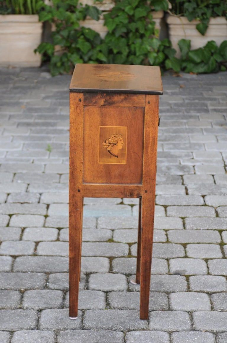 Italian, 1840s Neoclassical Style Walnut Nightstand Cabinet with Marquetry Décor For Sale 1