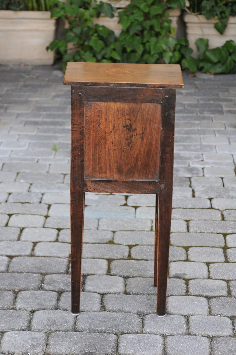 Italian, 1840s Neoclassical Style Walnut Nightstand Cabinet with Marquetry Décor For Sale 2