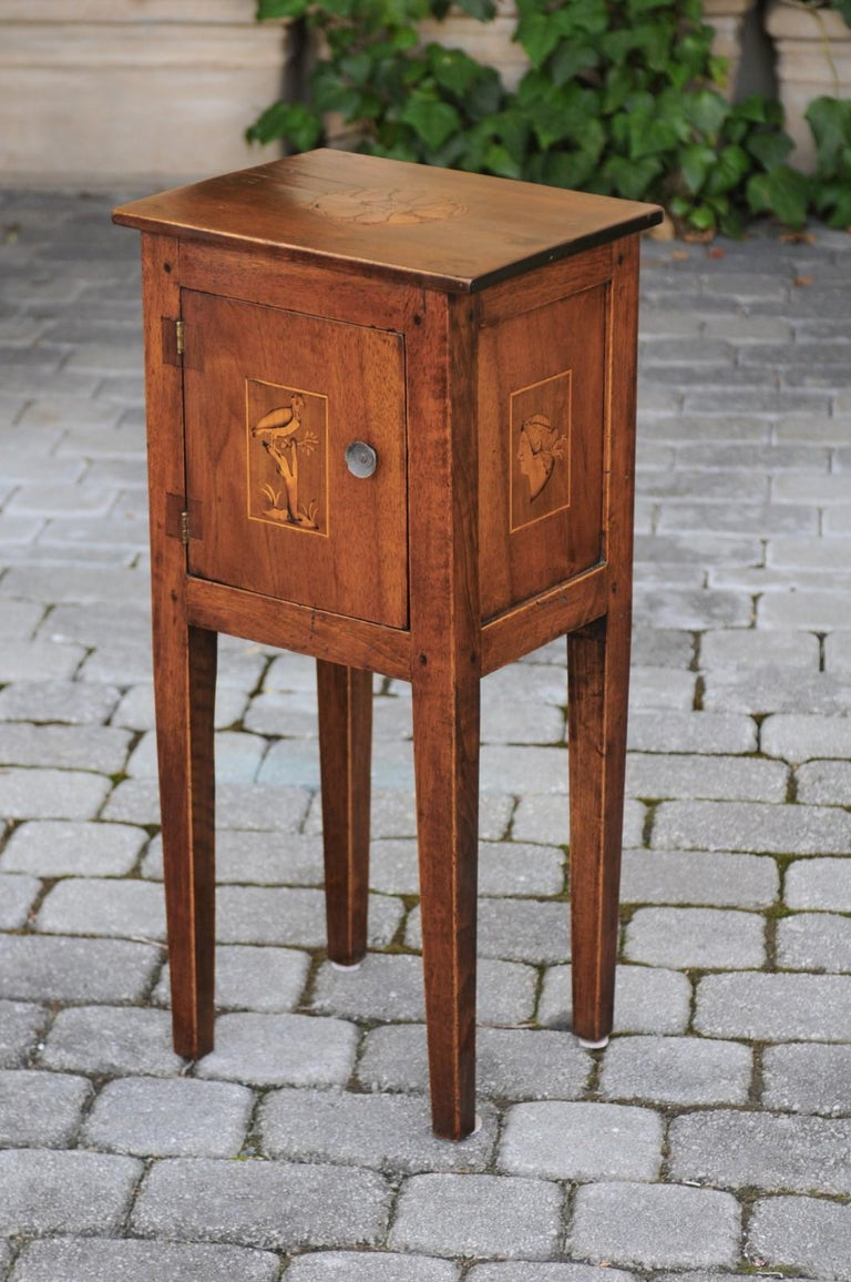 Italian, 1840s Neoclassical Style Walnut Nightstand Cabinet with Marquetry Décor For Sale 5
