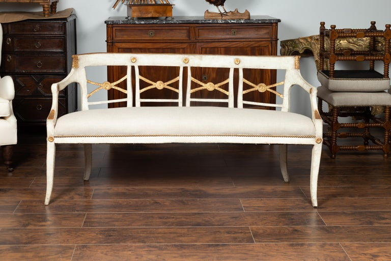 Italian 1860s Painted Wood Bench with Gilded Accents and New Upholstery For Sale 8