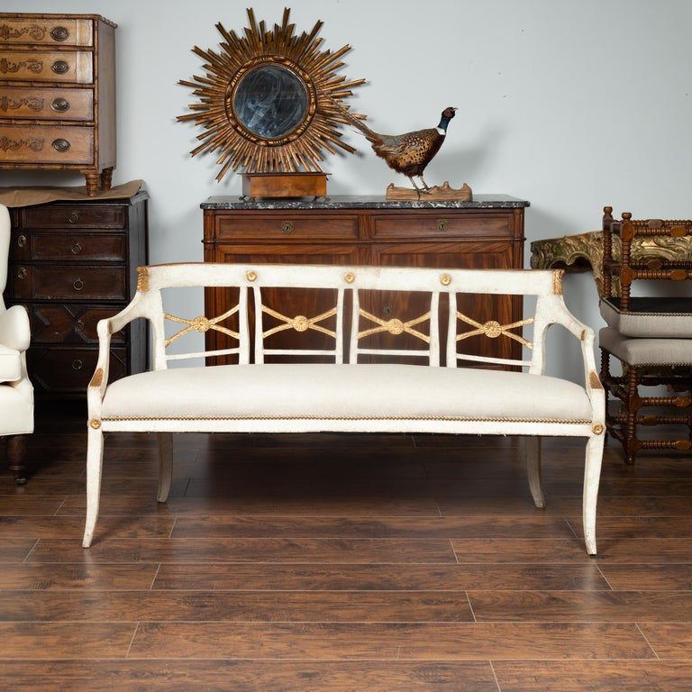 Italian 1860s Painted Wood Bench with Gilded Accents and New Upholstery For Sale 9