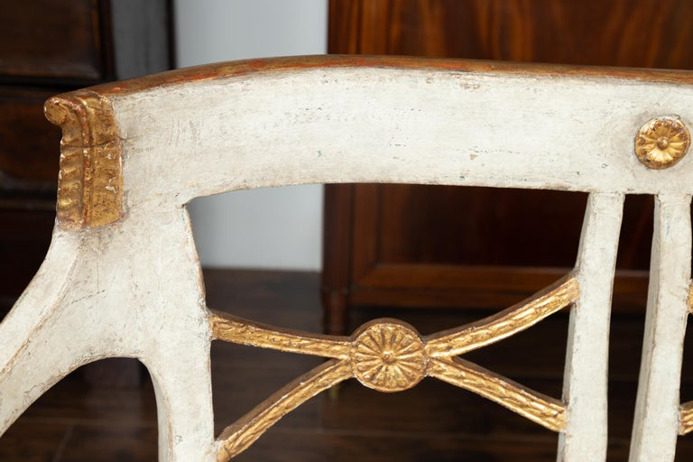 Italian 1860s Painted Wood Bench with Gilded Accents and New Upholstery For Sale 10