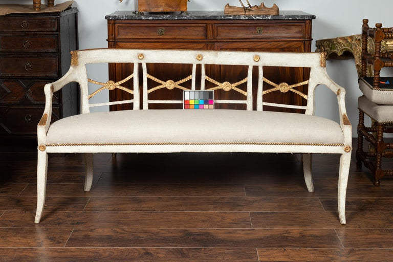 Italian 1860s Painted Wood Bench with Gilded Accents and New Upholstery For Sale 11