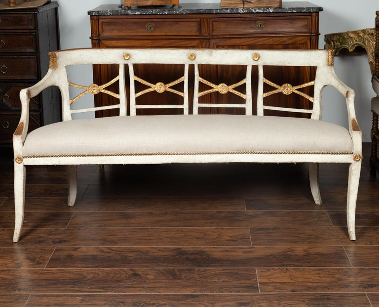 Neoclassical Italian 1860s Painted Wood Bench with Gilded Accents and New Upholstery For Sale