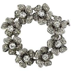 Italian 18 Karat Gold Ladies Brooch with Diamonds Decorated Flower Patterns