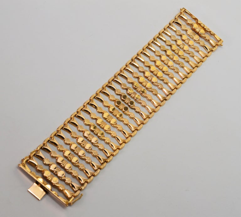 Italian 18 Karat Yellow Gold Wide Ladder Link Bracelet For Sale 2