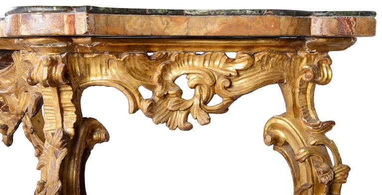 Italian 18th Century Carved Giltwood Console Table For Sale 2