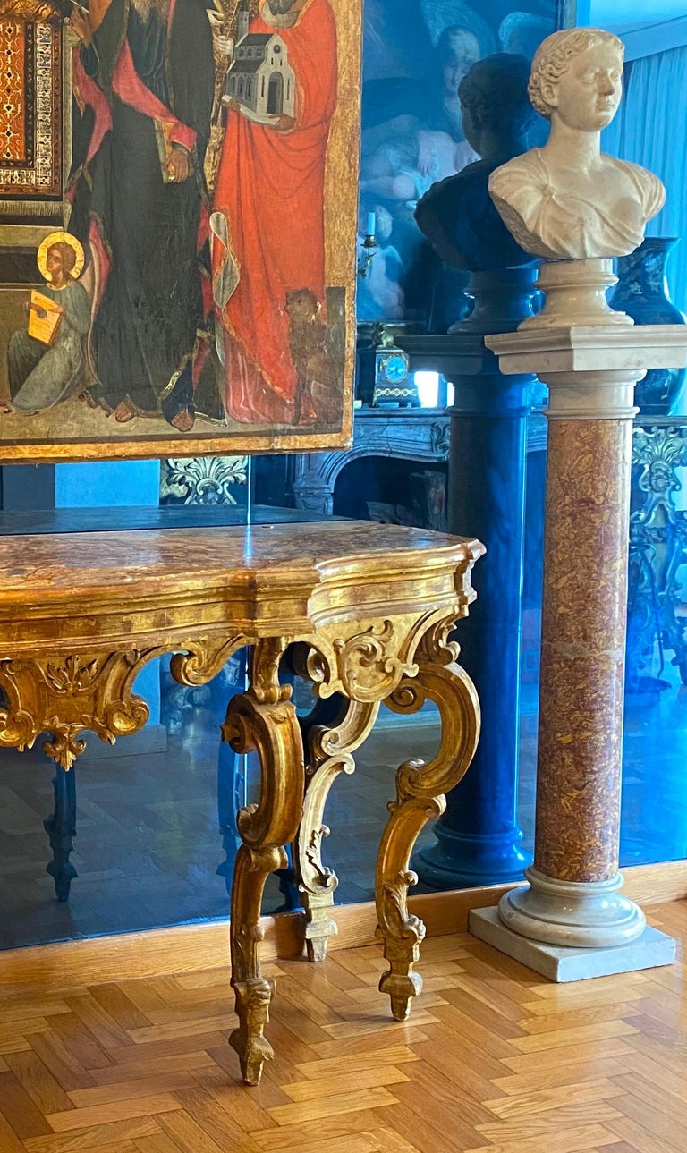 Italian 18th Century Giltwood Console Table In Good Condition For Sale In Rome, IT