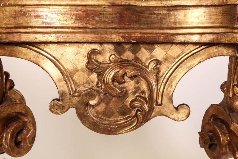 Italian 18th Century Giltwood Console Table For Sale 2