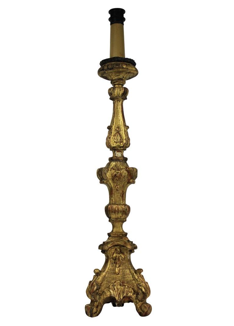 Italian 18th Century Giltwood Lamp 1