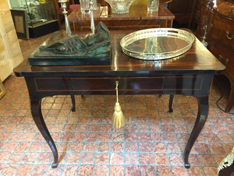 Italian 18th Century Louis XV Writing Table Inlaid Rosewood Center Desk For Sale 4