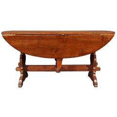 Italian 18th Century Solid Walnut Gate Leg Table from Tuscany
