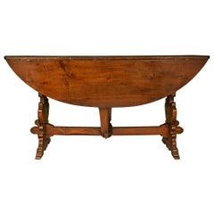 Italian 18th Century Solid Walnut Gateleg Table from Tuscany