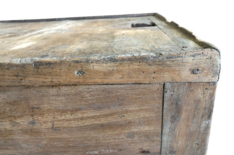 Italian 18th Century Work Table For Sale 2