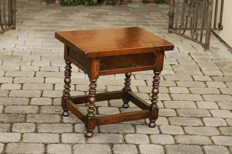 Italian 1900s Walnut Side Table with Drawer, Carved Rosettes and Turned Legs For Sale 6