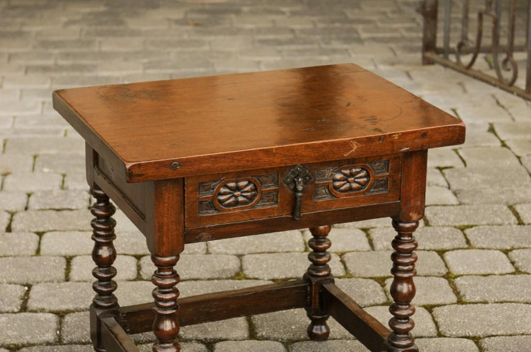 Italian 1900s Walnut Side Table with Drawer, Carved Rosettes and Turned Legs For Sale 1
