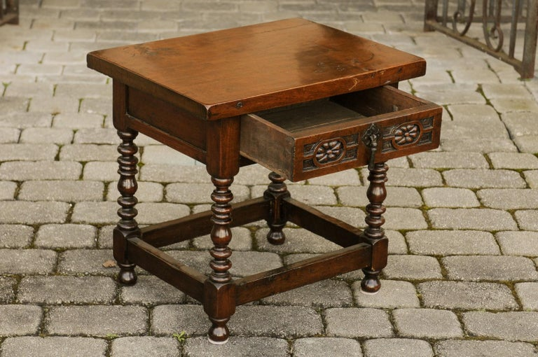 Italian 1900s Walnut Side Table with Drawer, Carved Rosettes and Turned Legs For Sale 3