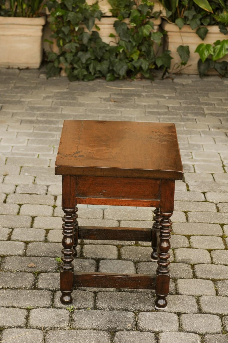 Italian 1900s Walnut Side Table with Drawer, Carved Rosettes and Turned Legs For Sale 4