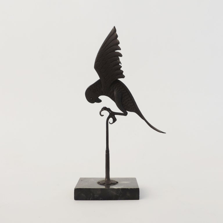 Italian 1920s Art Deco Wrought Iron Parrot on a Marble Base For Sale 1