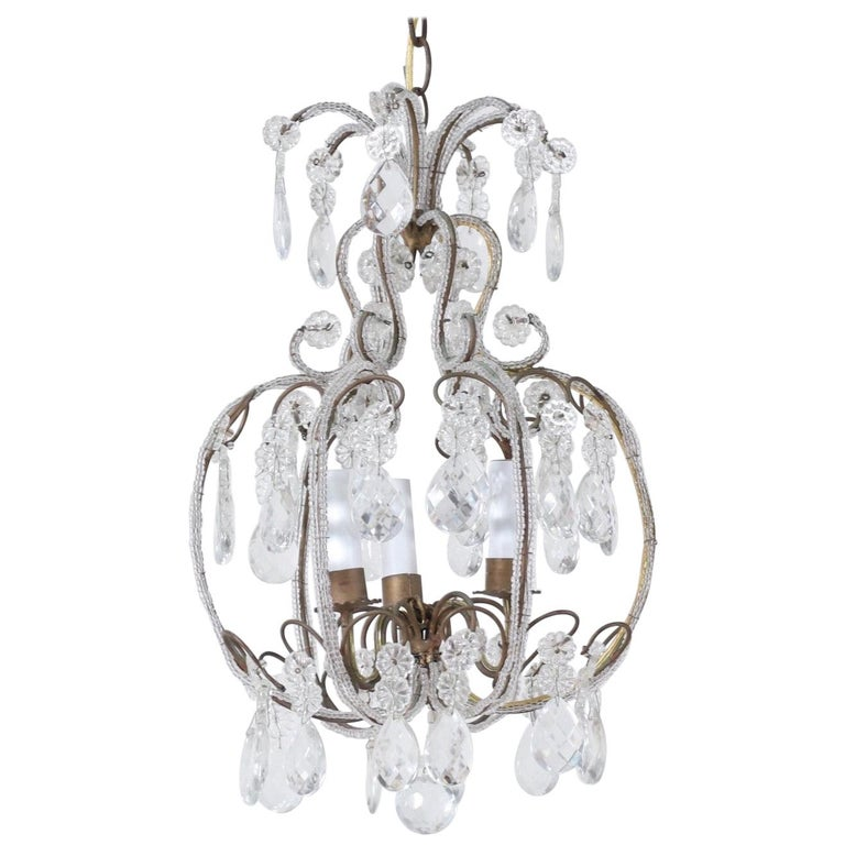 Italian 1940s Italian Crystal Beaded Chandelier For Sale