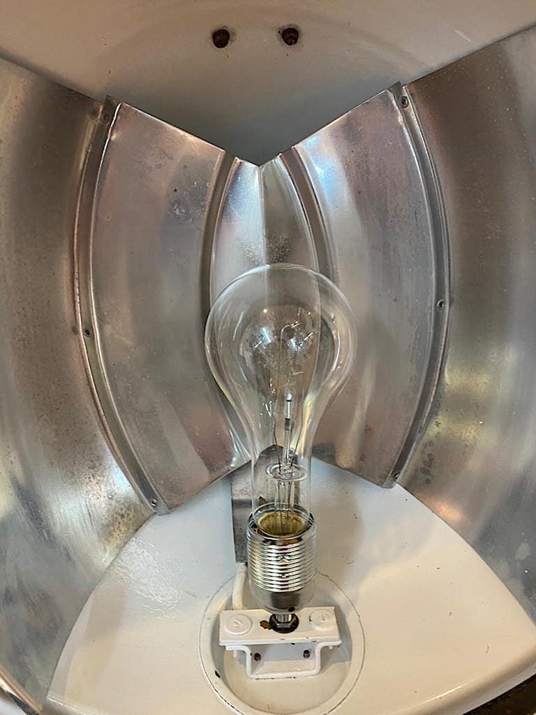 Italian 1940s Large Industrial Factory / Warehouse Enamel Lantern For Sale 7
