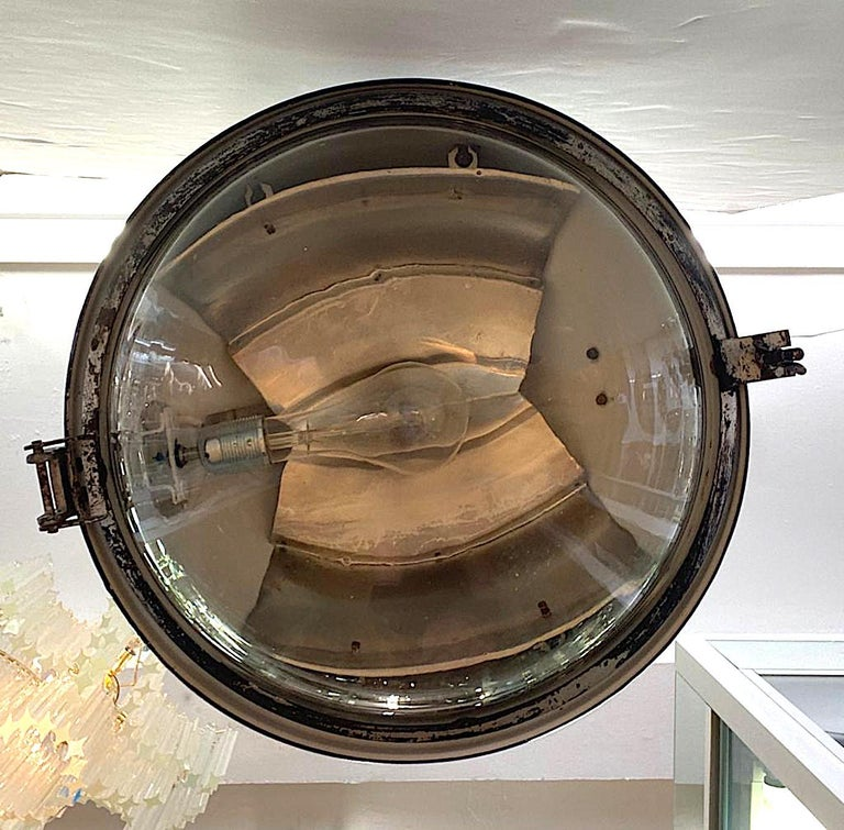 Italian 1940s Large Industrial Factory / Warehouse Enamel Lantern For Sale 3