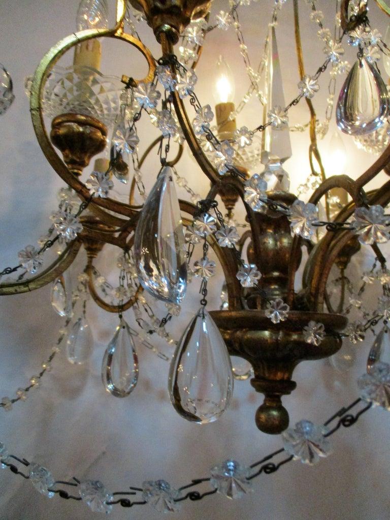 Belle Époque Italian 1940s Neoclassical Ten-Light Giltwood Pear Crystal Chandelier For Sale