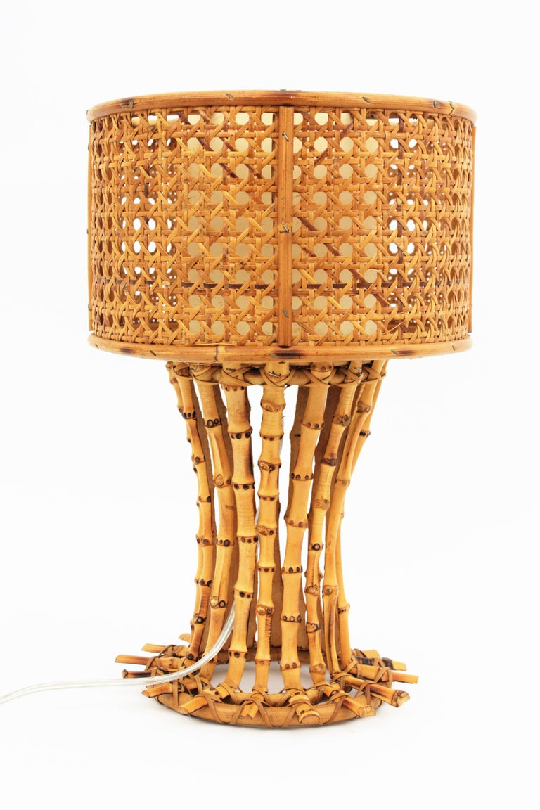 Italian 1950s Chinoiserie Style Bamboo Wicker and Rattan Table Lamp For Sale 5