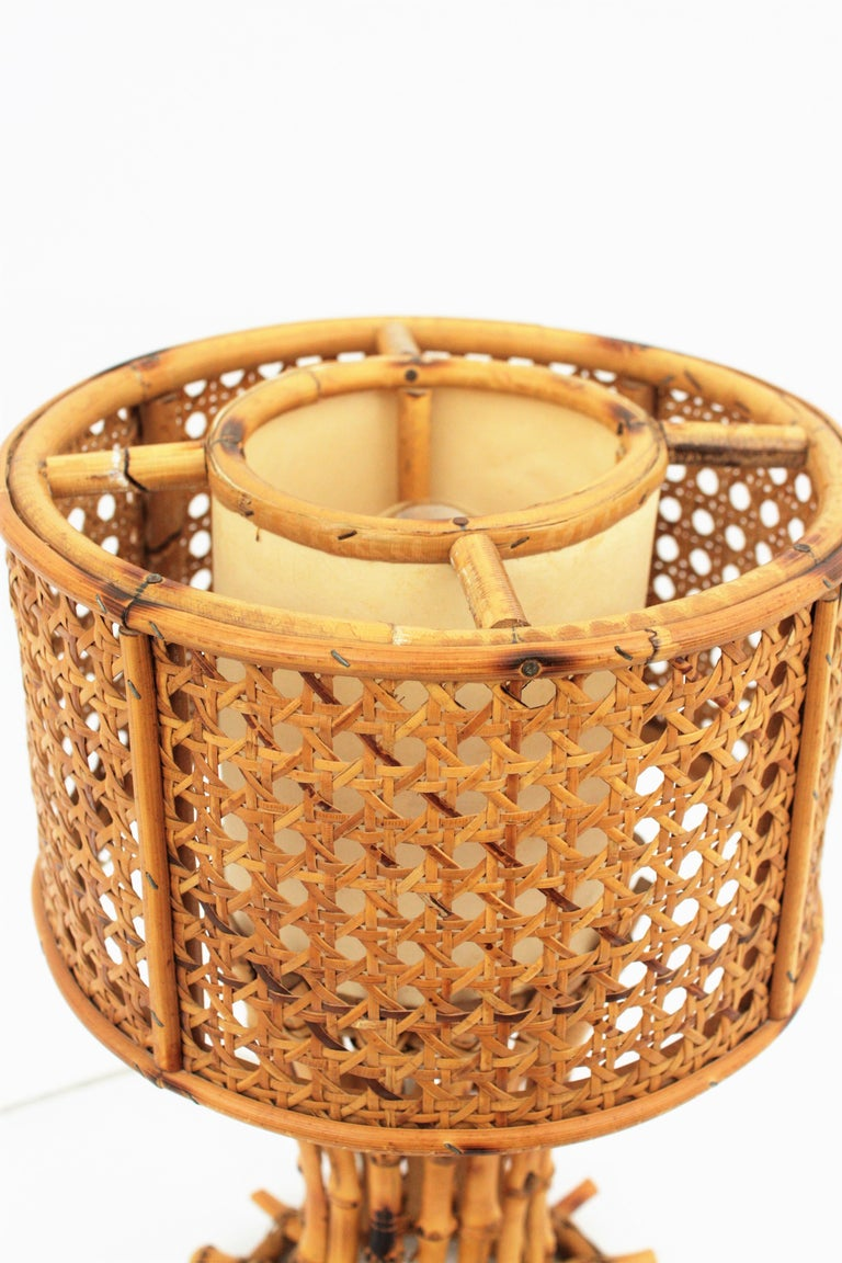 Italian 1950s Chinoiserie Style Bamboo Wicker and Rattan Table Lamp For Sale 7