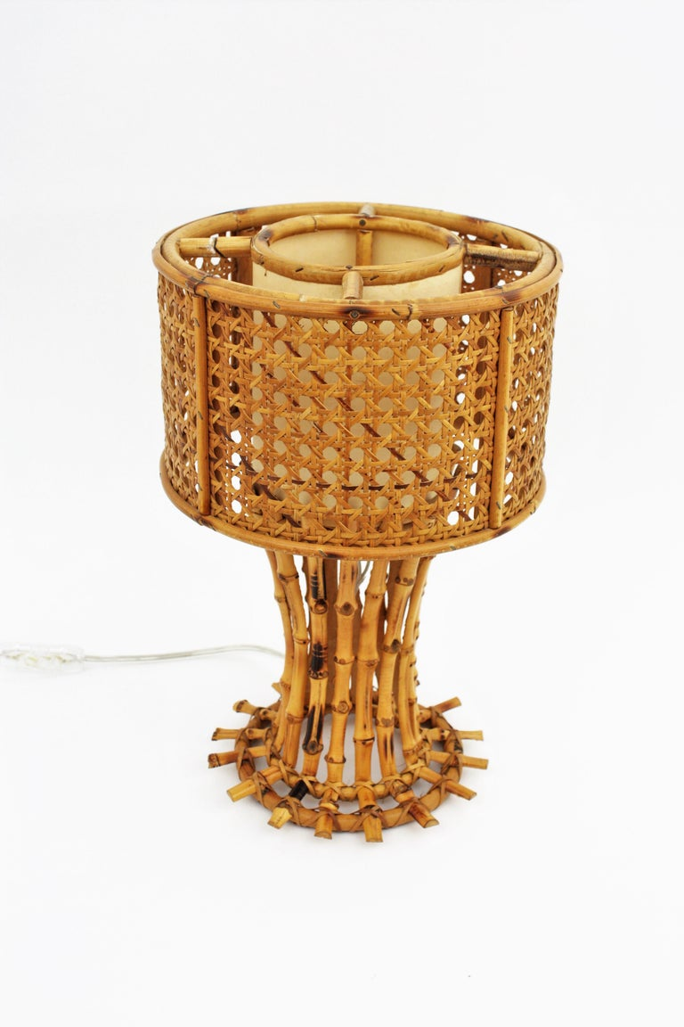 20th Century Italian 1950s Chinoiserie Style Bamboo Wicker and Rattan Table Lamp For Sale