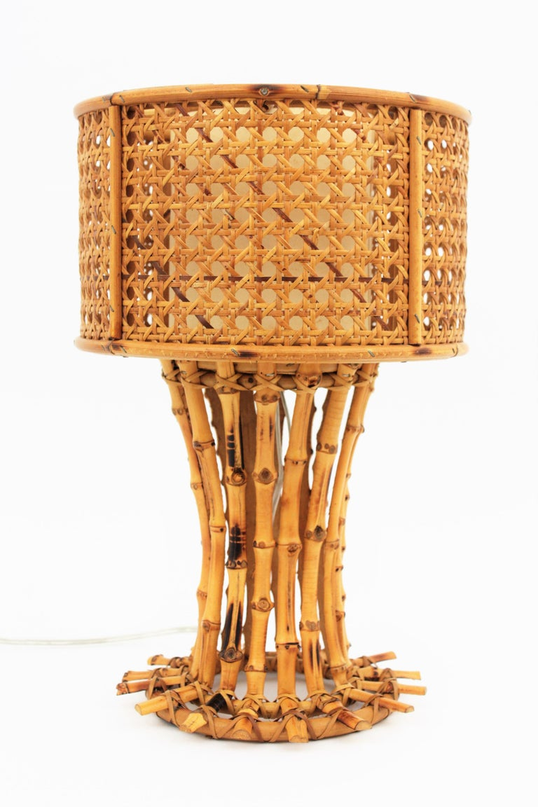 Italian 1950s Chinoiserie Style Bamboo Wicker and Rattan Table Lamp For Sale 3