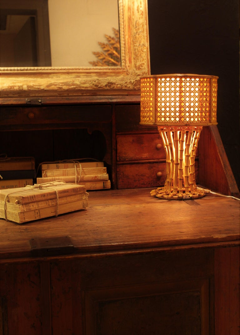 Italian 1950s Chinoiserie Style Bamboo Wicker and Rattan Table Lamp For Sale 4
