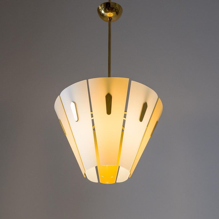 Italian Dual Color Glass Chandelier, 1950s  For Sale 4