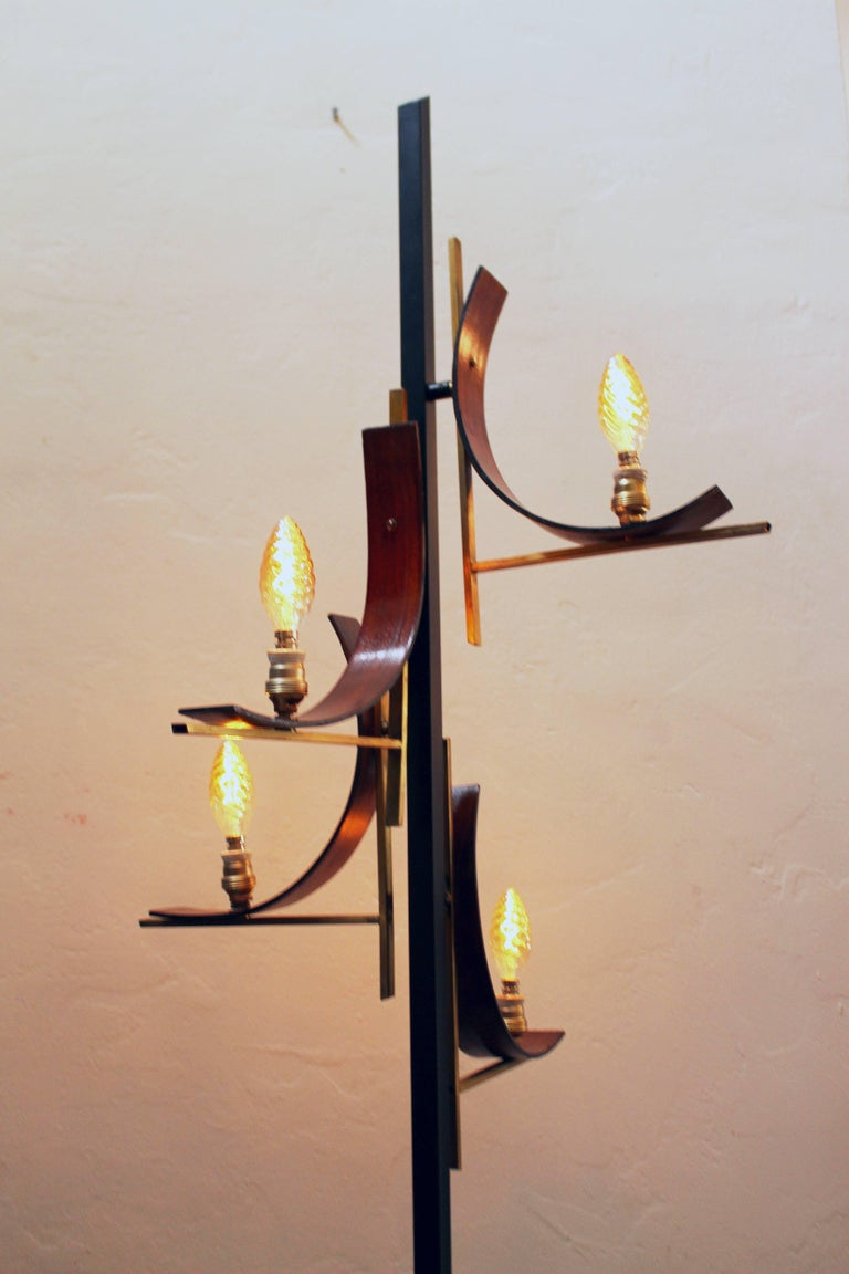 Italian 1950s Floor Lamp In Good Condition For Sale In Los Angeles, CA