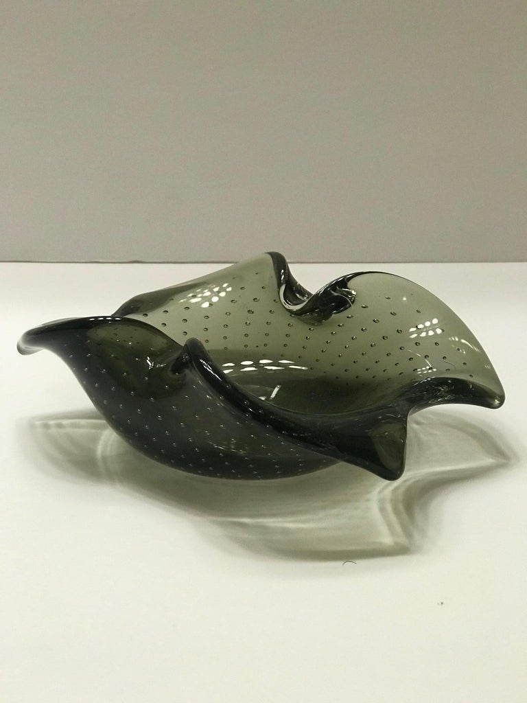 Italian 1950s Murano Glass Bowl with Organic Form and Controlled Bubbles 6