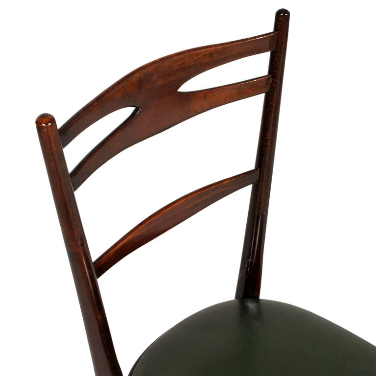 Mid-Century Modern Italian 1950s Side Chairs Carlo de Carli Attributed in Brown Walnut Wax Polished For Sale