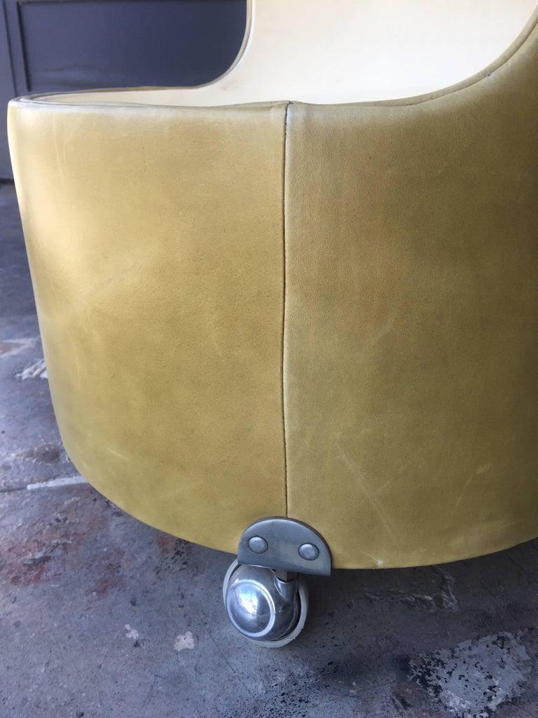 Italian, 1960s Frau Leather Nightstand For Sale 4