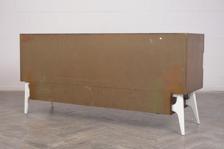 Mid-Century Modern Italian Credenza For Sale 5