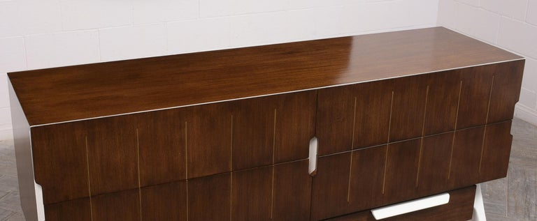 Mid-Century Modern Italian Credenza For Sale 1
