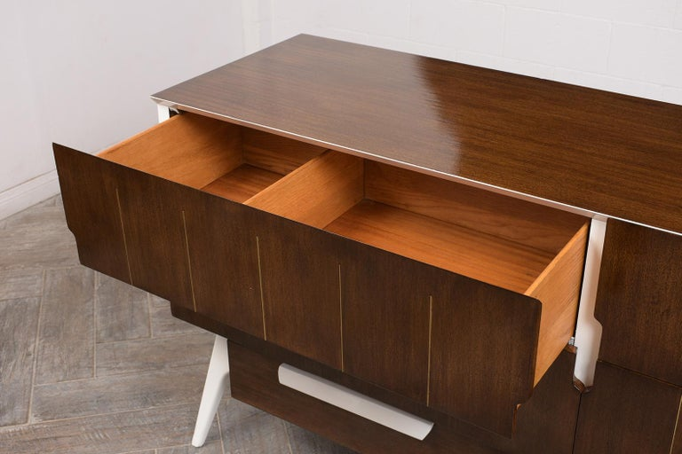 Mid-Century Modern Italian Credenza For Sale 3