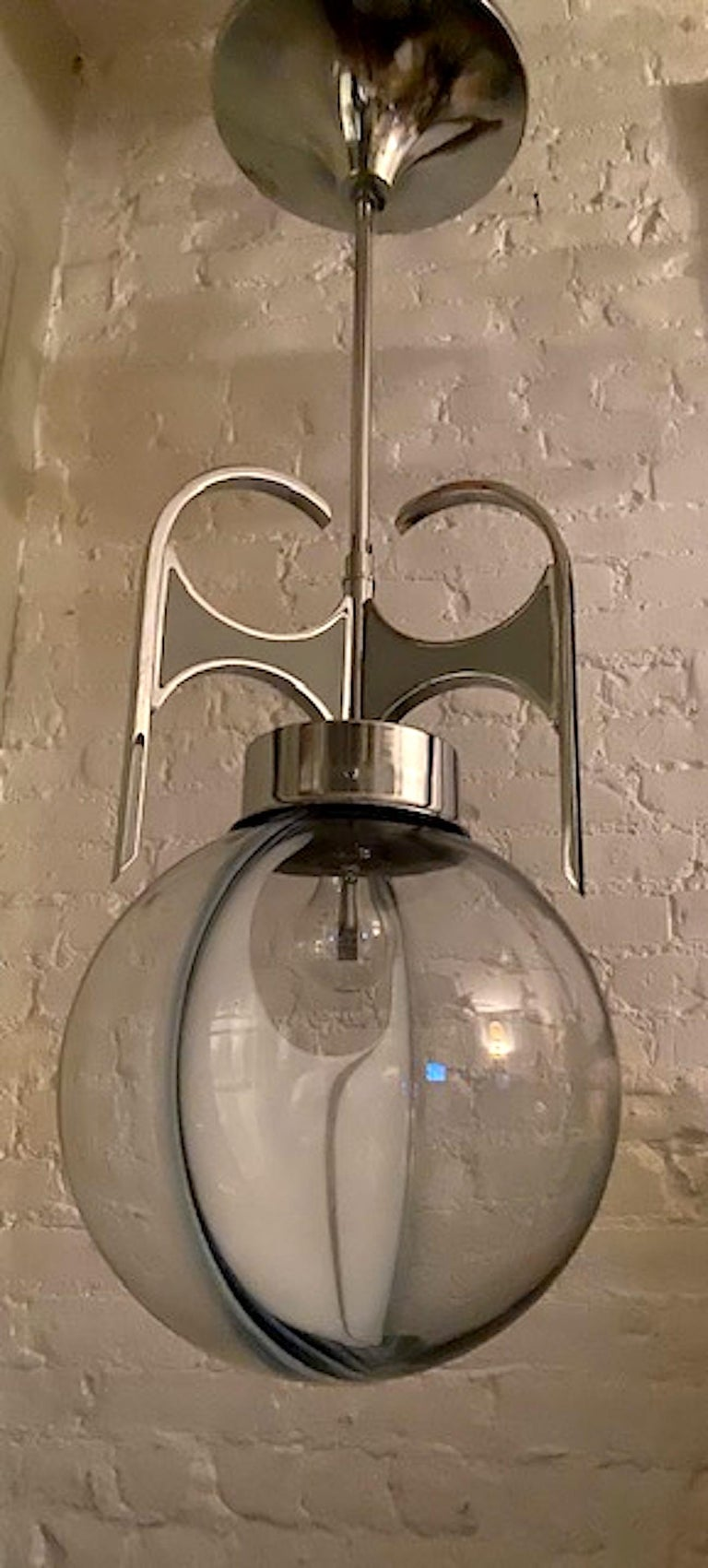 Italian 1970s Chrome with Clear and White Glass Globe Pendant Light For Sale 7