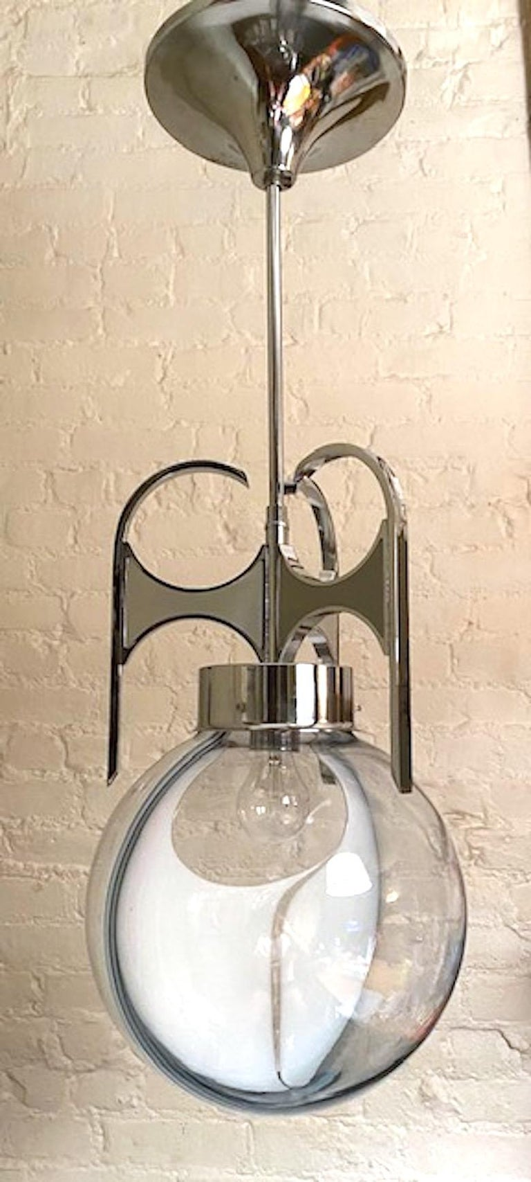 Italian 1970s Chrome with Clear and White Glass Globe Pendant Light For Sale 6